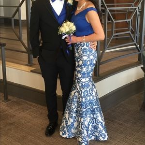 Dresses & Skirts - 2 piece prom dress